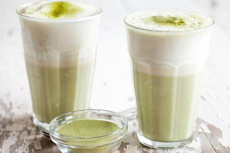 Matcha latte (groene thee latte)