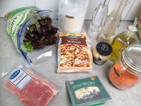 Herfstsalade met spek, linzen en kaas