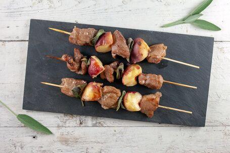 BBQ varkensvlees en perzik spiesen