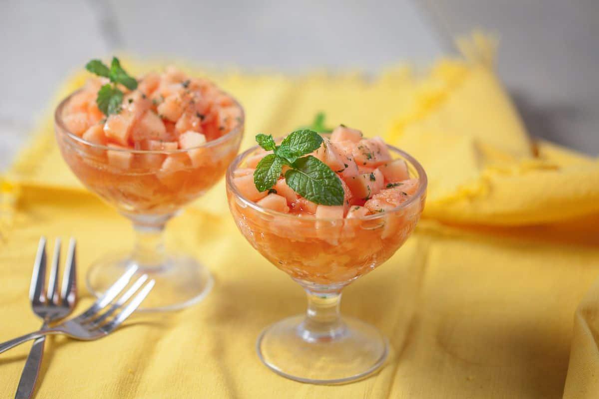 Cantaloupe met limoen, munt en honing