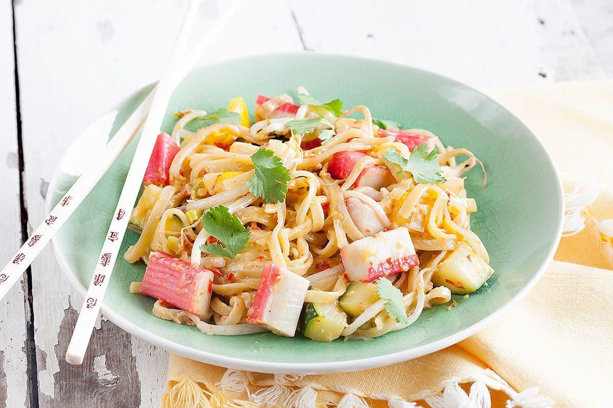 Surimi met groente uit de wok