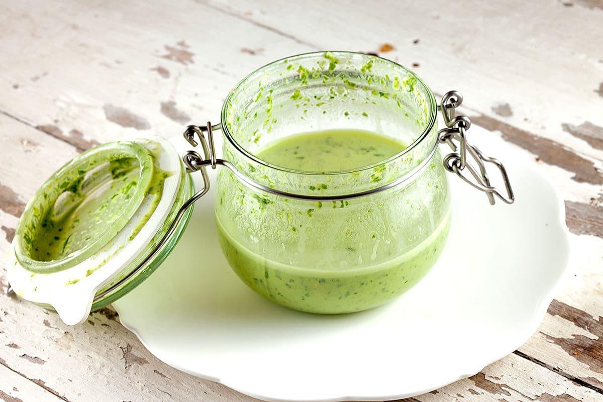 Groene tahini saladedressing