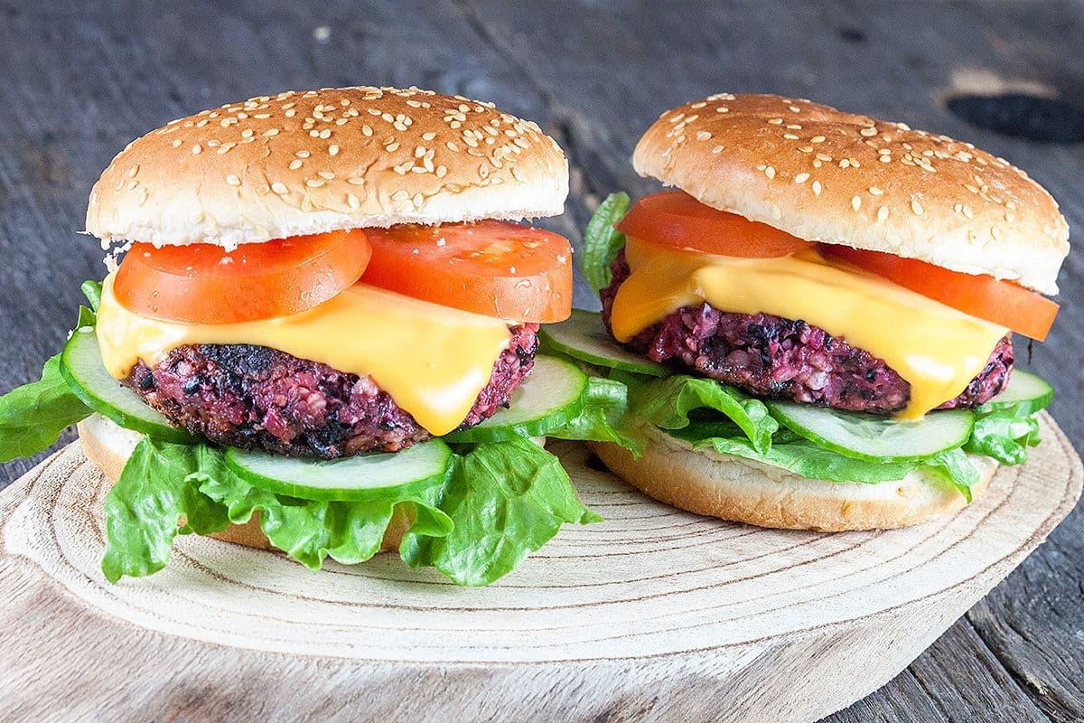 Geroosterde rode bietenburger (vegan)