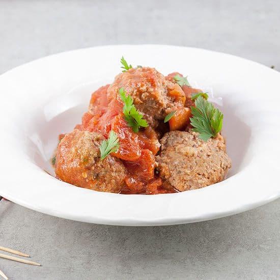 Spaanse gehaktballetjes in pittige tomatensaus