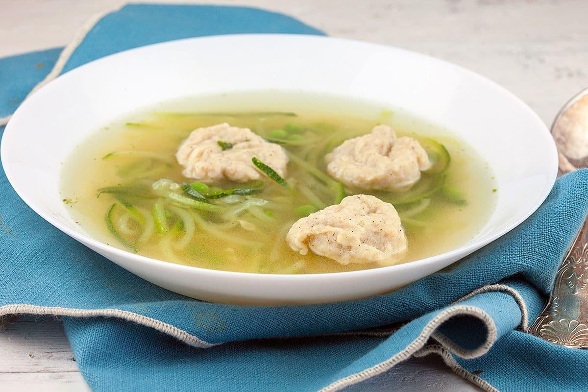 Groentesoep met spelt dumplings