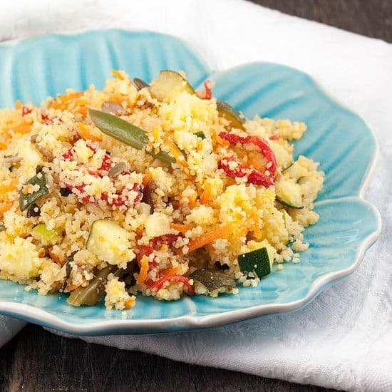 Vegetarische couscous met appel en sperziebonen
