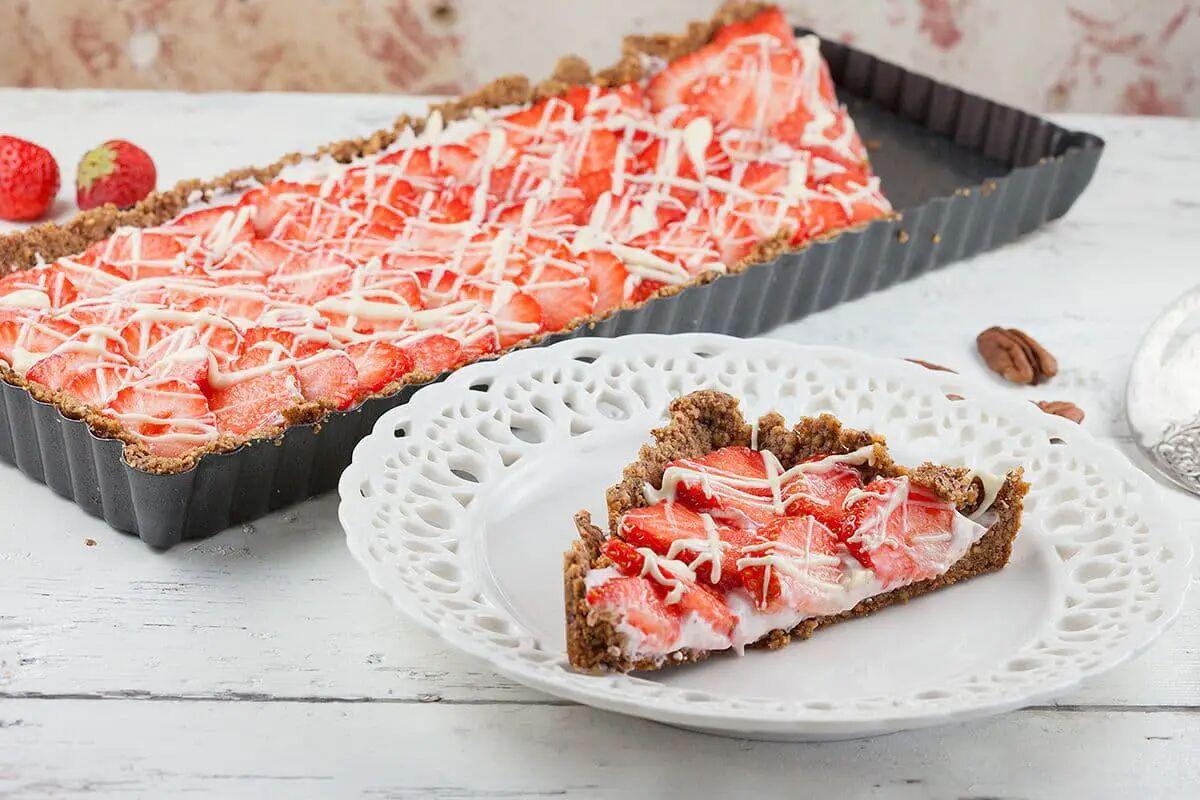 Aardbeien pecannoot taart