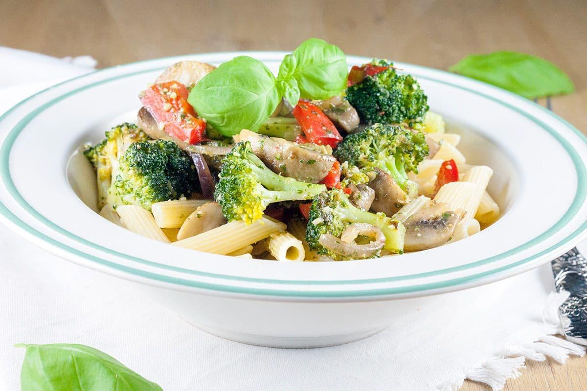 Pasta met broccoli en pesto