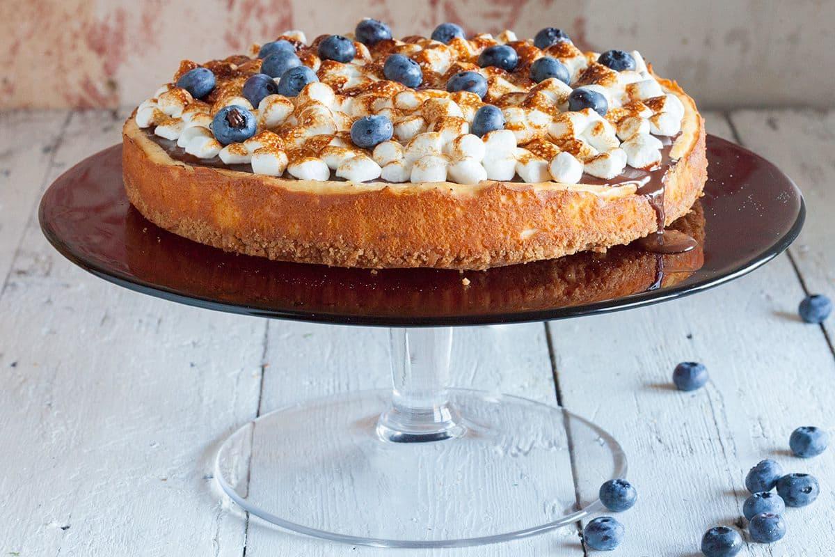 Cheesecake met chocolade en marshmallows
