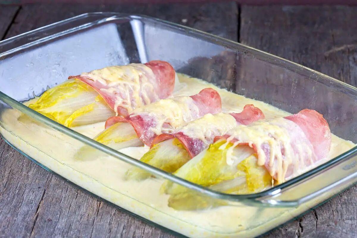 Witlof met ham en kaassaus
