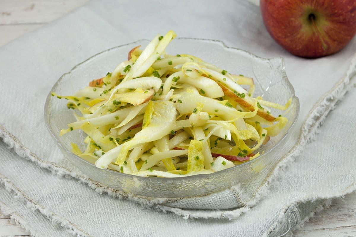 Makkelijke witlofsalade met appel
