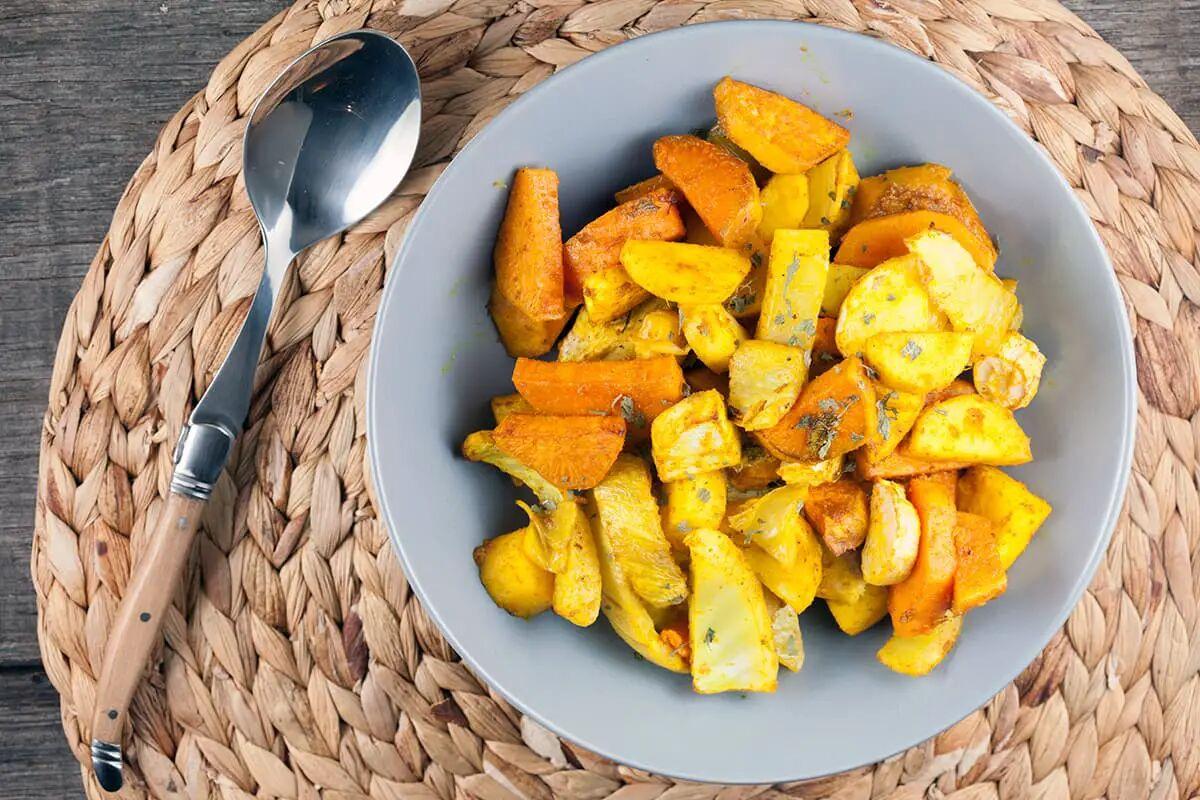Geroosterde groenten met kurkuma