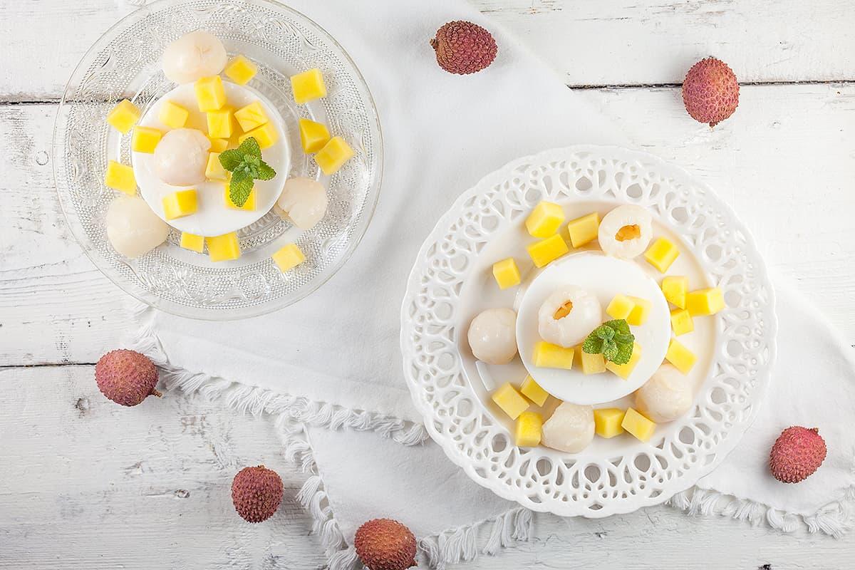 Lychee-kokos pudding met mango