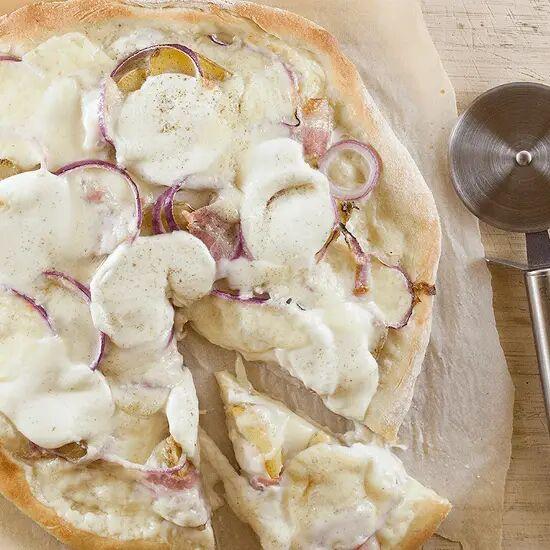 Raclette pizza
