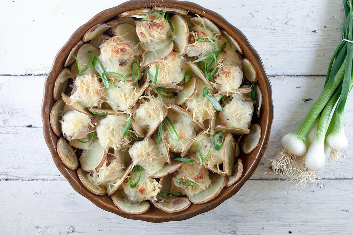 Gehaktballen met aardappels en bechamelsaus