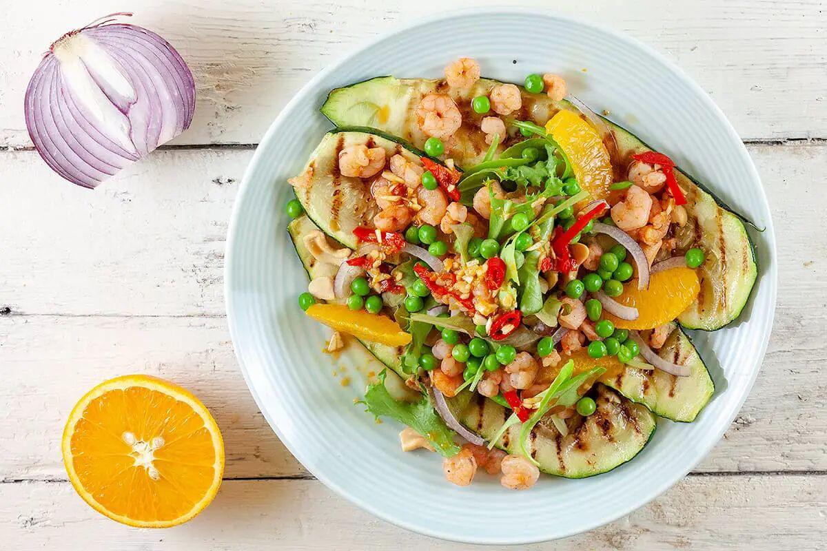 Salade met courgette en garnaaltjes