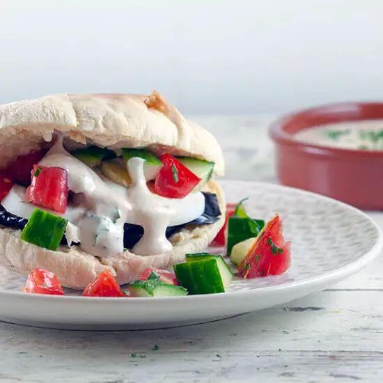 Sabich - Pitabroodjes met aubergine en ei