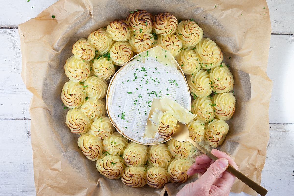 Ovengebakken camembert met pommes duchesse