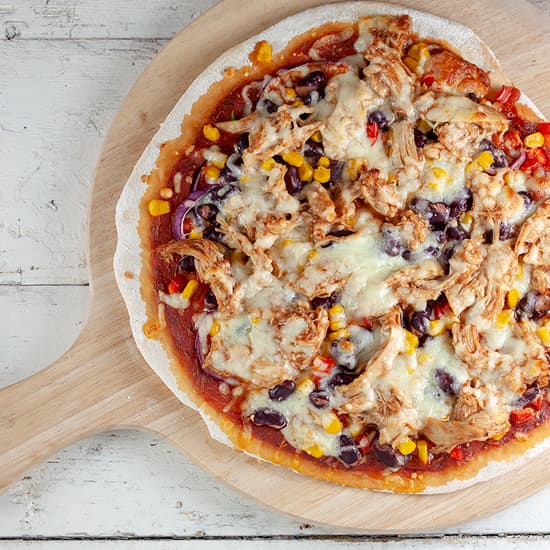 Barbecue kip pizza